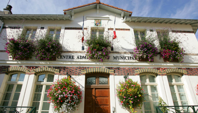 Centre administratif municipal ville de plessis robinson - Piscine du hameau plessis robinson ...